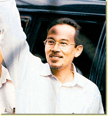 anwar ibrahim sentenced to six years in prison