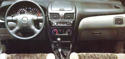 Nissan Sentra XE 1.8 16v --- Sedán 4 puertas