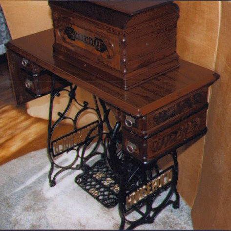 Antique Sewing Machine Resource Household Sewing Machines