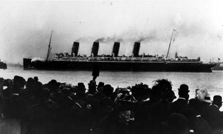 [Die 'Lusitania' - der erste Dreadnought]