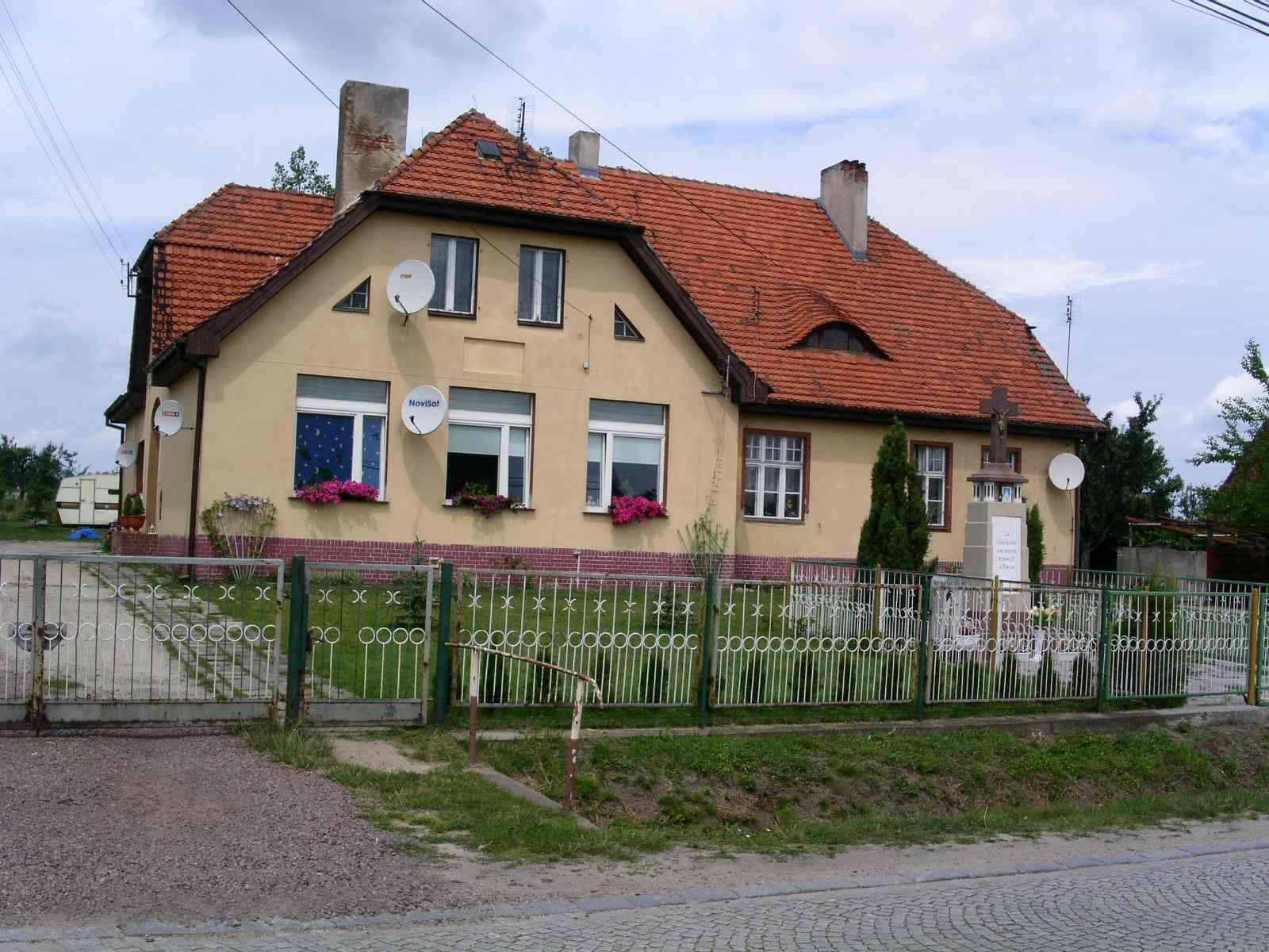 [Bild: szkola_we_wszewilkach.jpg]