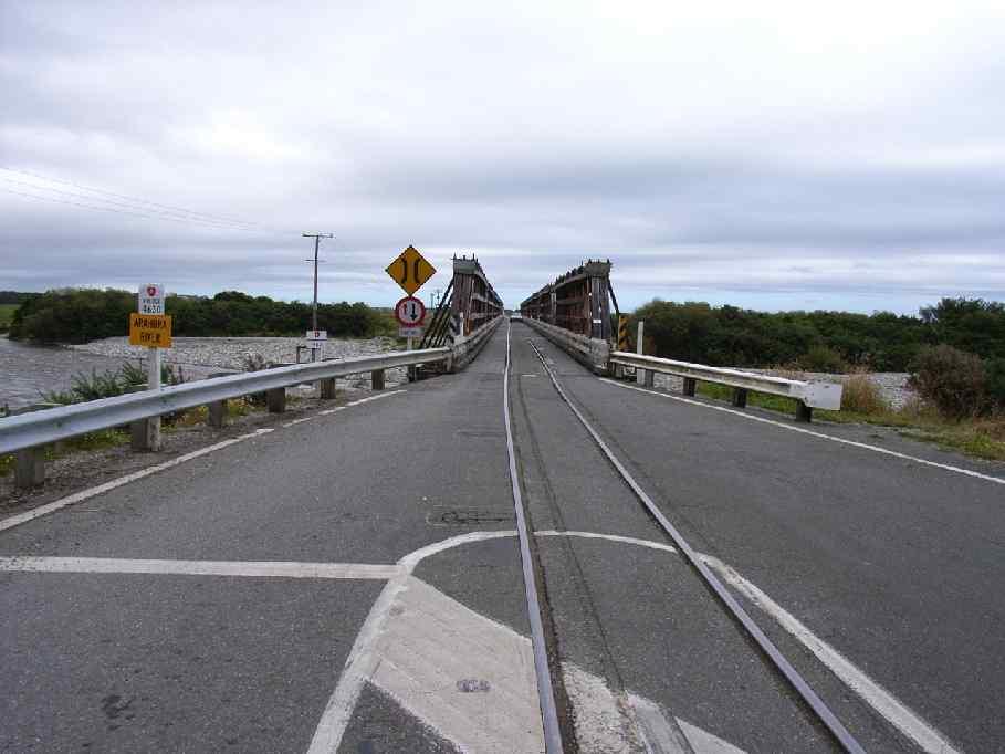 [Bild: most_kolejowo_drogowy.jpg]