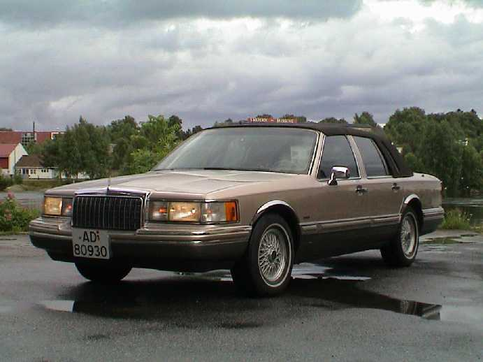 1993 lincoln town car signature touring sedan. Black Bedroom Furniture Sets. Home Design Ideas