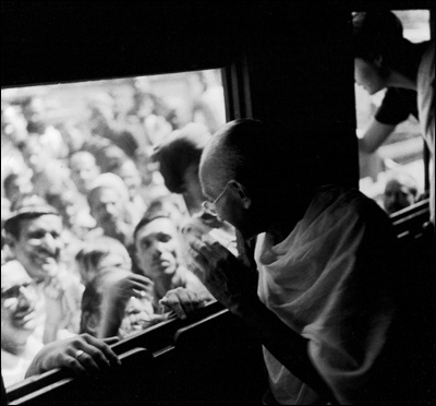 gandhi charasmatic leadership in termoil Ever since he destroyed hitler's despotism, our political leaders haven't needed to be giants they can just be ordinary more from the magazine  gandhi wanted women to 'resist' sex for pleasure.