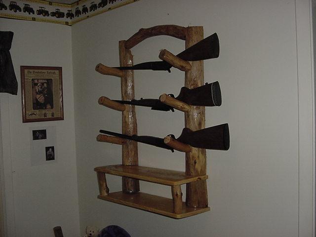 cedar log gun rack 1