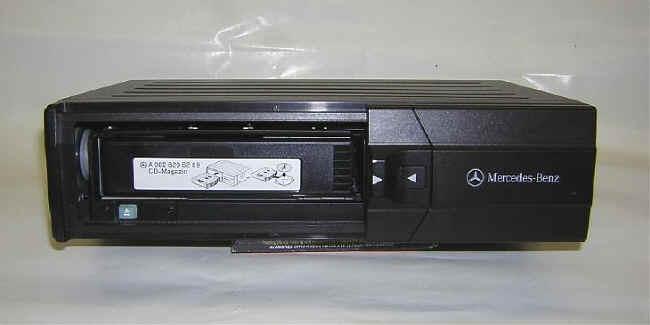 Mercedes Benz 6 Disc CD Changer   Front View U0026 Magazine
