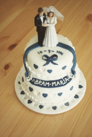 Small Wedding Cake In White And Blue