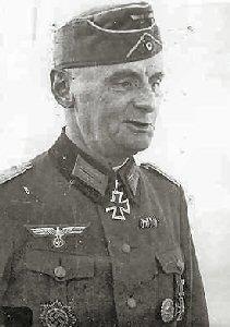 Generalleutnant Carl Becker