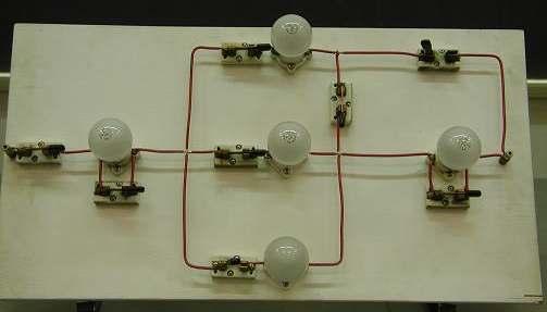 Circuito Eletrico : E