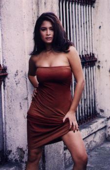 Cheryl hines breasts