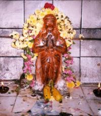 Sri Anjaneya near Nalukall Mandapam, Thanjavur