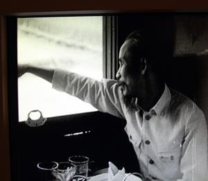 1957, HCM, bí mật di chuyển bằng tàu hỏa