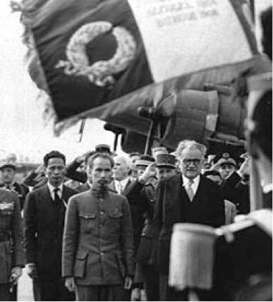 HCM với Phạm Văn Đồng năm 1946 ở Pháp