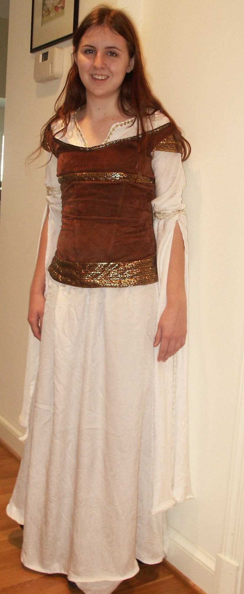 Eowyn's Shieldmaiden Dress Costume Notes by Annie