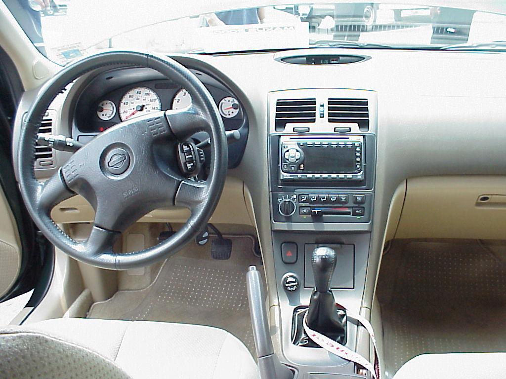 2001 maxima interior